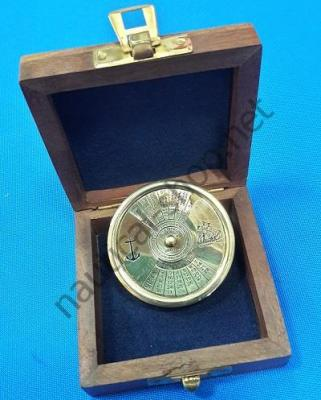 Карманный календарь на 100 лет в деревянном футляре, 2451А