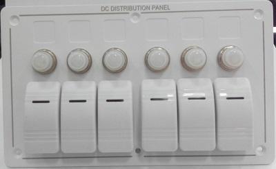 Щиток водонепроницаемый электрический с шестью клавишными выключателями и автоматическими предохранителями, белый, 50760-6HW