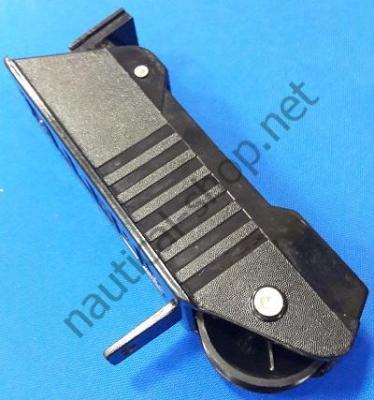 Ролик якорный для ручного подъема якоря до 10 кг, Attwood 13702-4