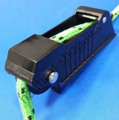 Ролик якорный Lift 'n Lock™ Delux, самостопорной, Attwood 13702-4