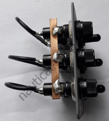 Электрический щит для лодок, катеров на 3 тумблера без подсветки, вид сбоку, Osculati 14.801.00